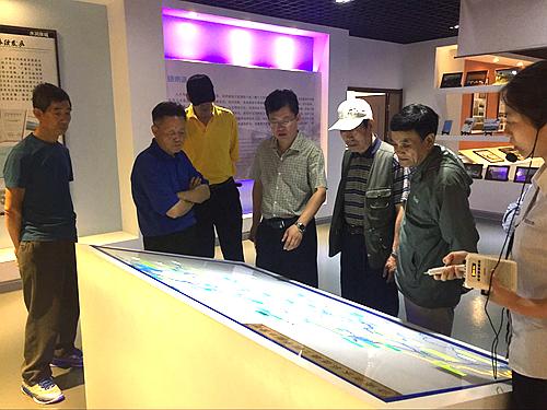 集团公司组织退休中层干部参观在建水利工程